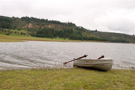 Free row boat Image