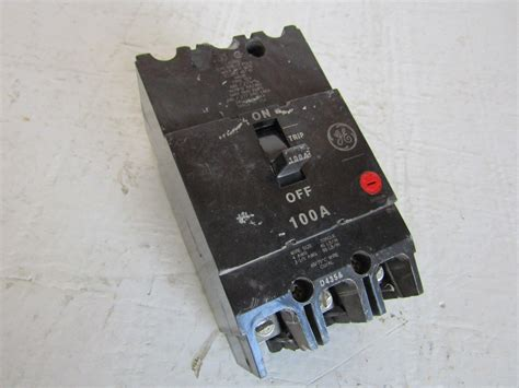 GE 100 Amp 3-Space 3-Circuit 240-Volt Unmetered RV Outlet