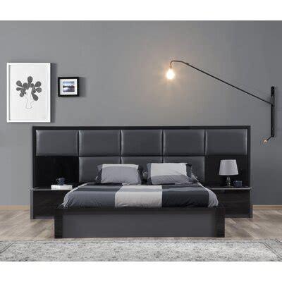 Glastonbury Upholstered Platform Bed