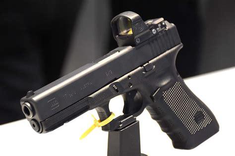 Glock 17 Gen 4 Tactical Stock