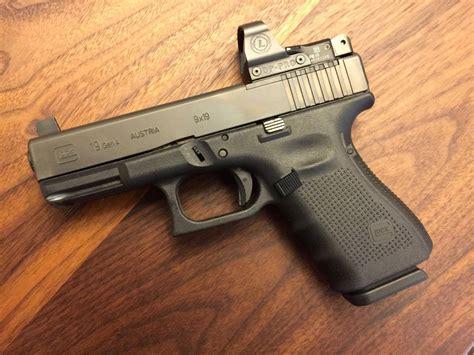 Glock 19 Leupold Deltapoint Pro