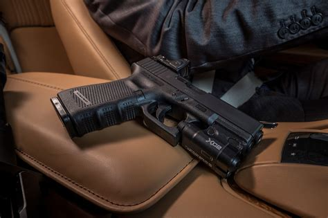 Glock 19 Light Surefire