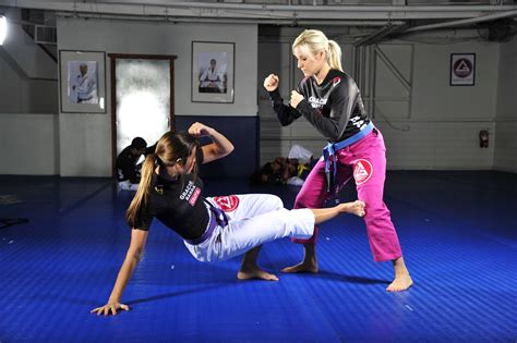 Gracie Self Defense For Wome