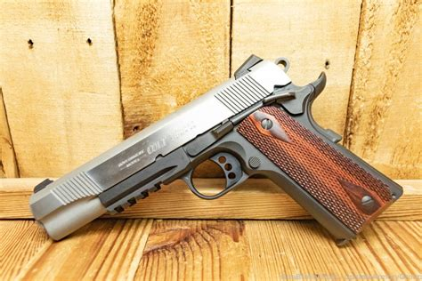 Gun Review Colt 1911 Government Series 80 45 ACP - The