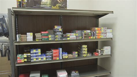 Gun-Store Gun Store Near El Paso Illinois.