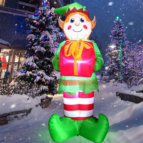 Holiday yard art Image