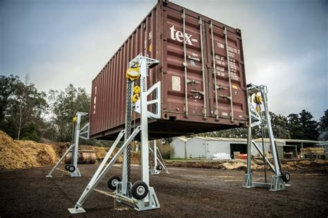 How Do You Lift A Shipping Container
