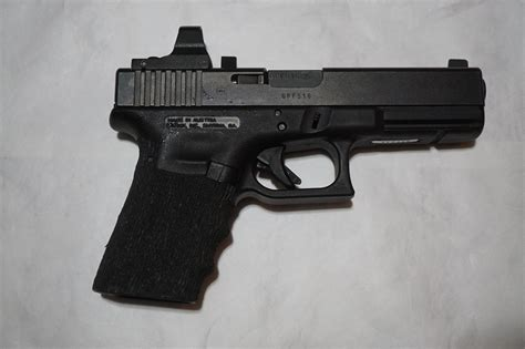 How To Change Grip On Glock 17