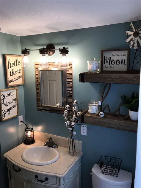 How To Decorate A Small Bathroom Interiors Inside Ideas Interiors design about Everything [magnanprojects.com]