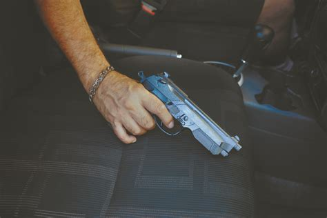 How To Inproperly Store A Gun In A Car