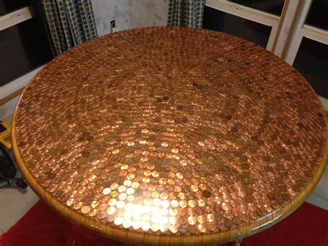 how to make a round table with pennies and resina Image