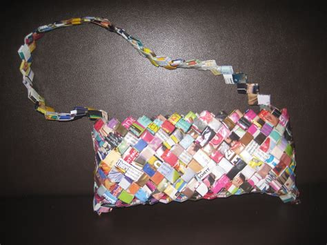 How To Make A Wallet Out Of Magazines