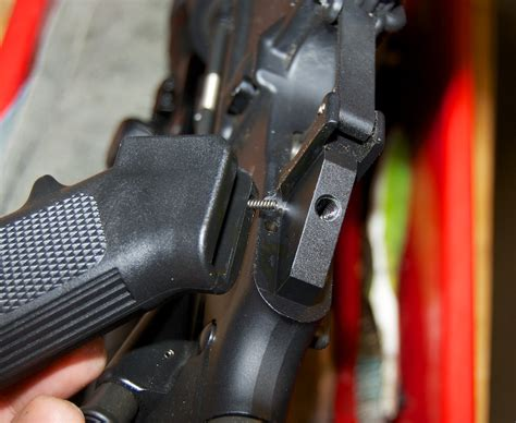 How To Remove Ar 15 Pistol Grip