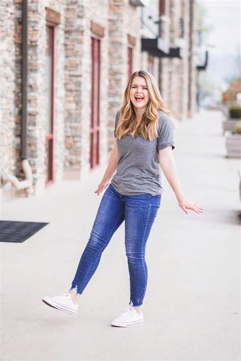 How To Wear White High Top Converse With Skinny Jeans