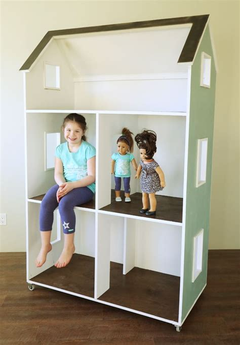 How to build a 18 inch doll house Image