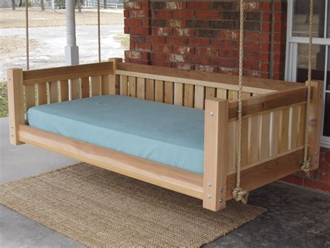 How to build a daybed swing Image