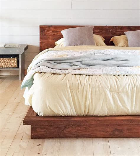 How to build a king bed Image
