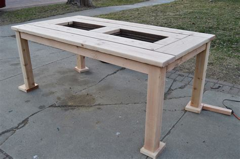 How to build a outdoor table Image