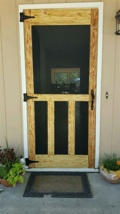How to build a screen door with wood Image