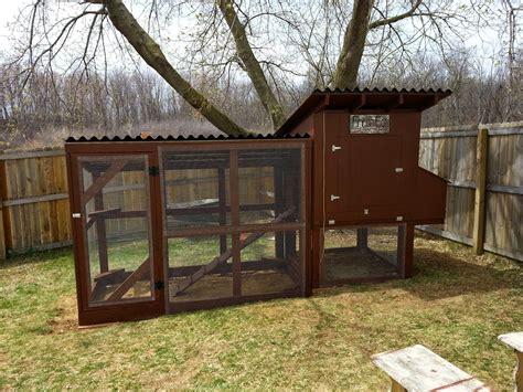 How to build a simple chicken coop door Image