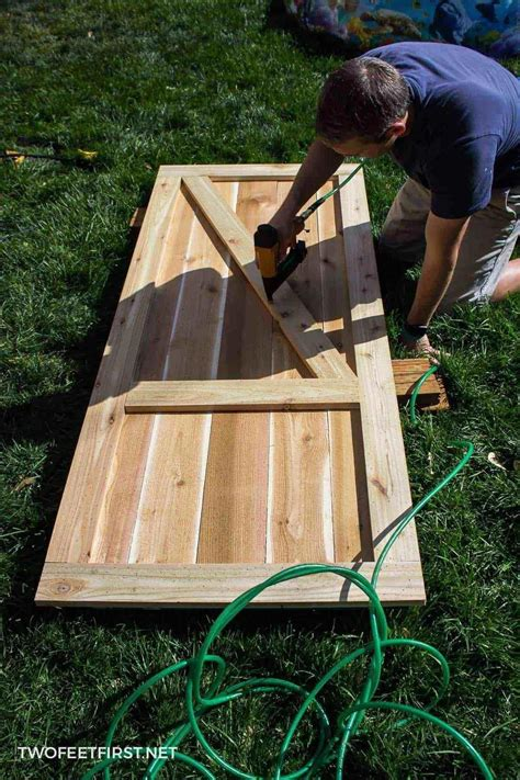 How to build a wooden door for a shed Image