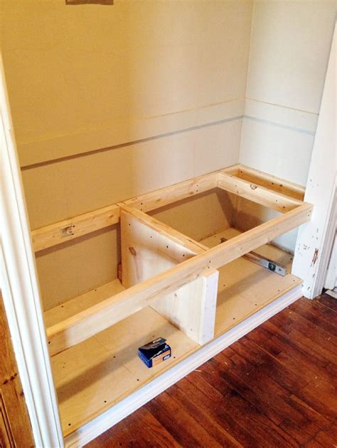 How to build bench in closet Image