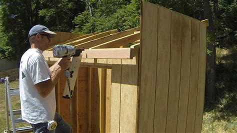 How to construct a shed roof Image