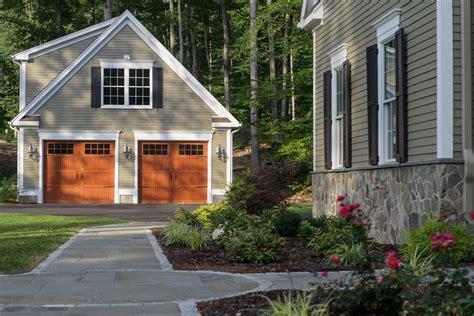 How to design a detached garage Image