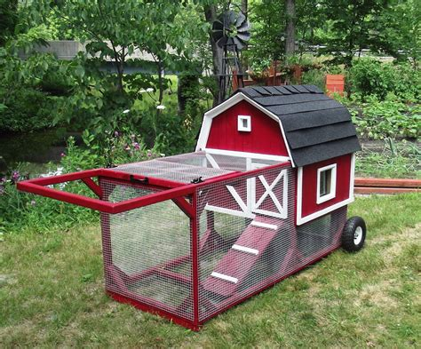 How to make a chicken coop on wheels Image