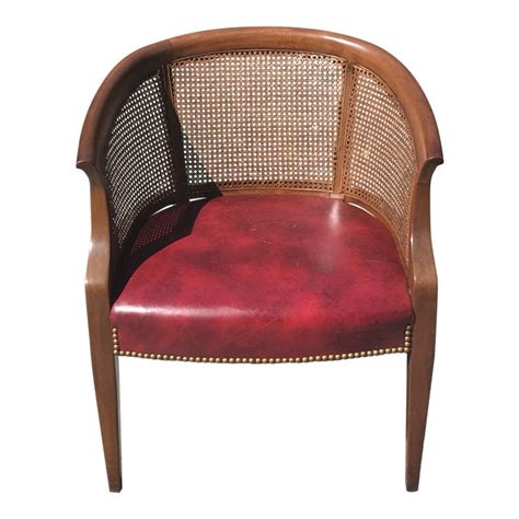 How to make a curved back chair Image
