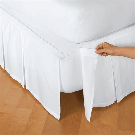 How to make a queen size box pleated bed skirt Image
