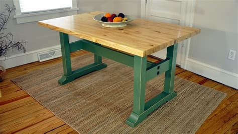 How to make a trestle table Image