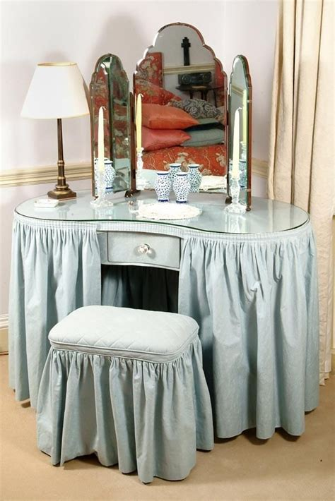 How to make a vanity table skirt Image
