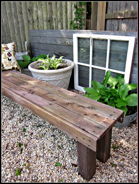 How to make an outdoor bench Image
