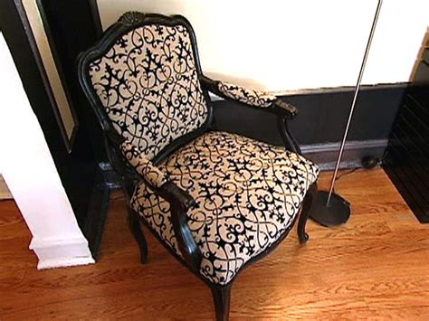 How to make an upholstered chair Image