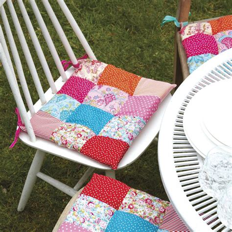 How to make quilted chair pads Image