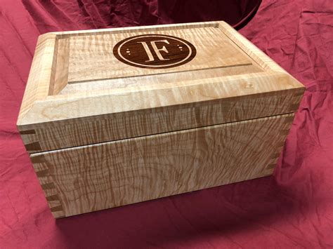 Humidor woodworking plans Image