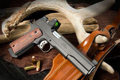 Hunter S Handgun