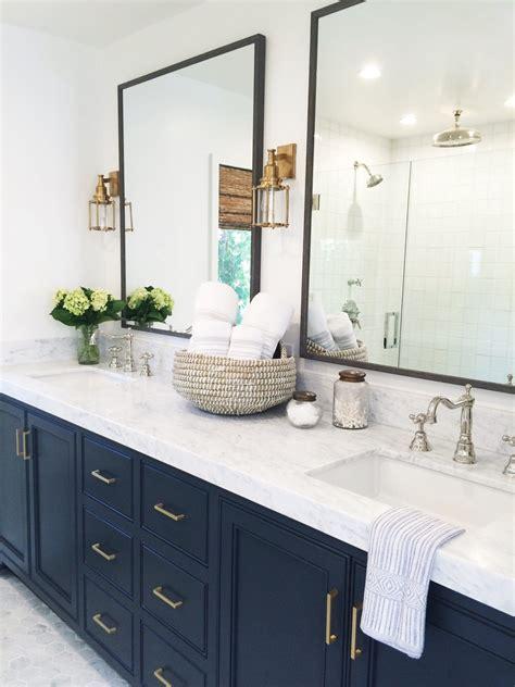Ideas For Double Vanities Bathroom Design