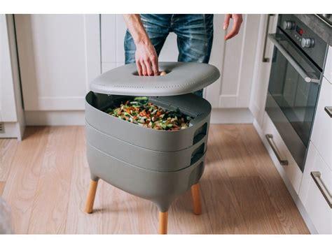 Indoor worm bin Image