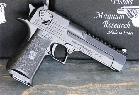 Desert-Eagle Israeli Desert Eagle Gun.