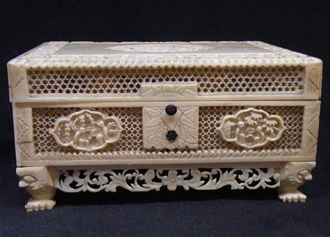 Ivory jewelry box Image