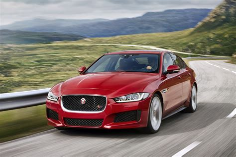 Jaguar Xe Pics HD Wallpapers Download free images and photos [musssic.tk]