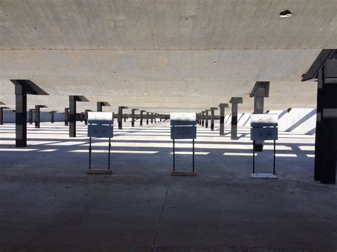 Jay Henges Pistol
