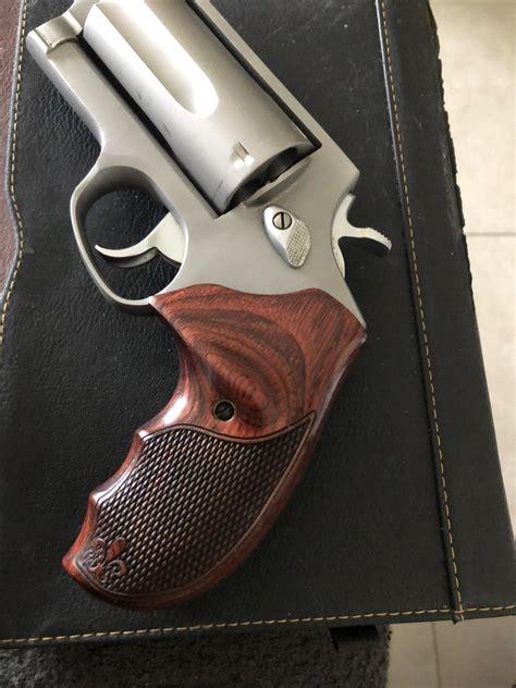 Judge Grips Pistol
