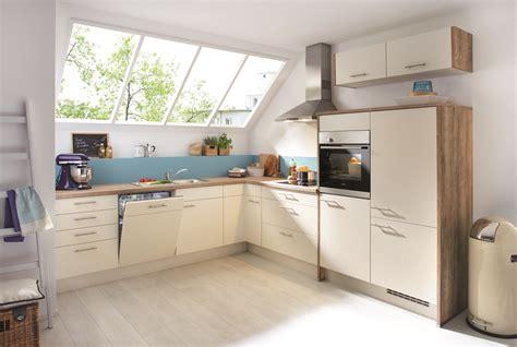 Küche Dachschräge