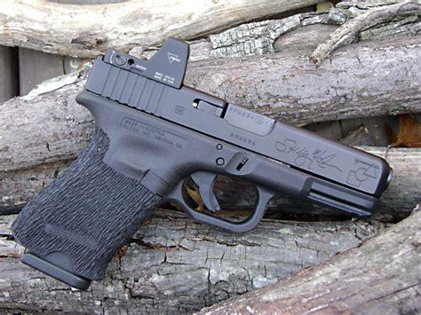 Kelly Mccann Glock 19