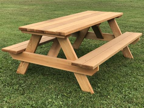 Kids picnic bench Image
