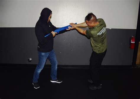 Knee Strikes Self Defense