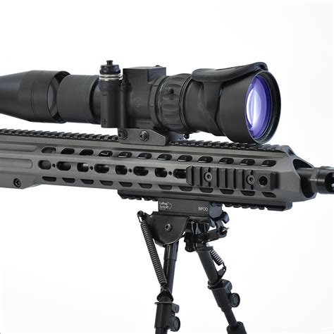 Knight S Armament An Pvs30 Night Vision Sight And Knights Armament Attachments